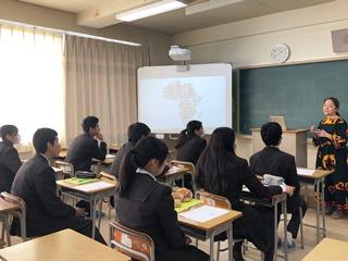 アフリカ授業 後ろ.JPG